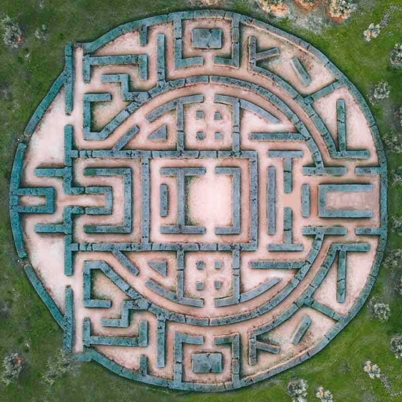 Overhead view of a labrynth maze